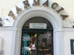 Insegne luminose per farmacia con lettere scatolate a Firenze Prato Arezzo San Giovanni Valdarno