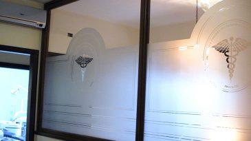 pellicole-privacy-personalizzate-per-vetrine-neon-valdarno